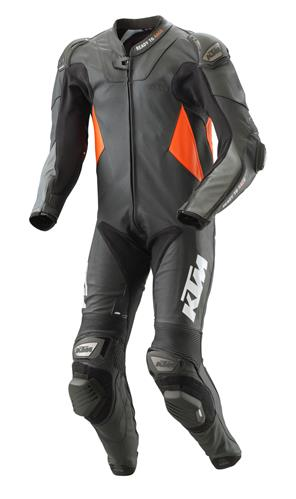 pho_pw_pers_vs_323166_3pw20000830x_rsx_suit_front__sall__awsg__v1